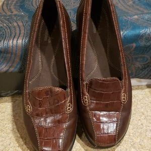 CLARKS BROWN LEATHER  SLIP ONS NWOT